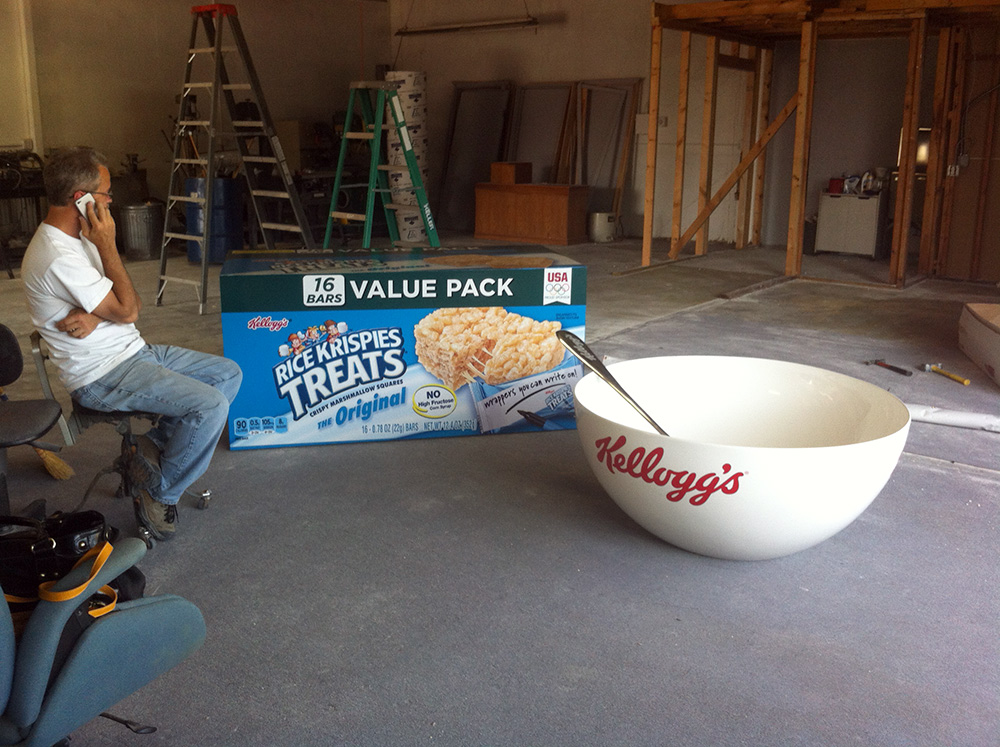 Kellogs bowl and spoon